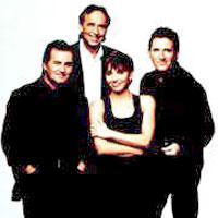 A. Belén, V. Manuel, J.M. Serrat y M. Ríos (ampliar foto...)