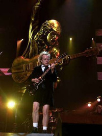 Angus Young (ampliar foto...)